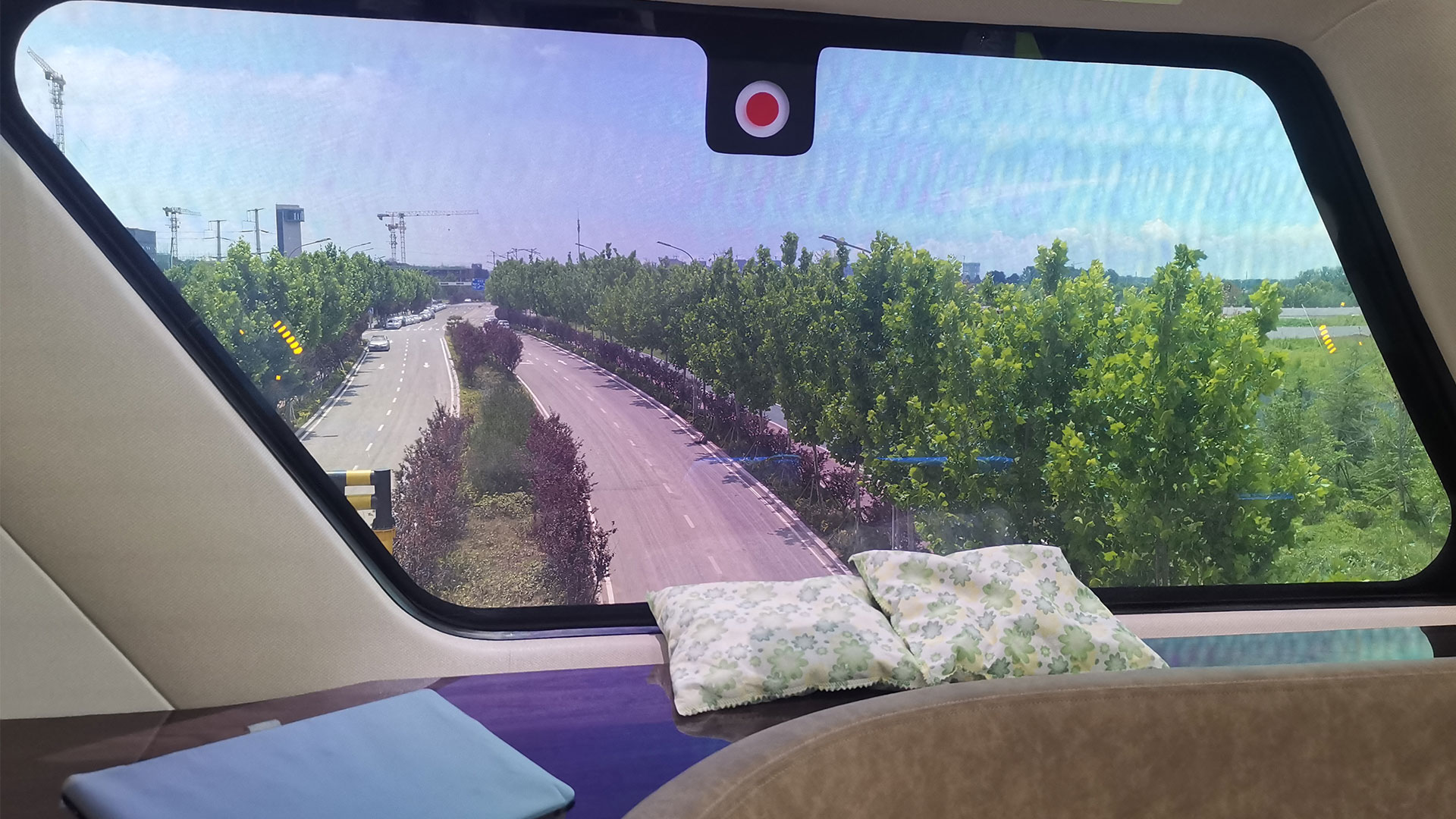 China debuts the world's fastest 600 km/h maglev train featuring LUMINEQ's futurist transparent displays