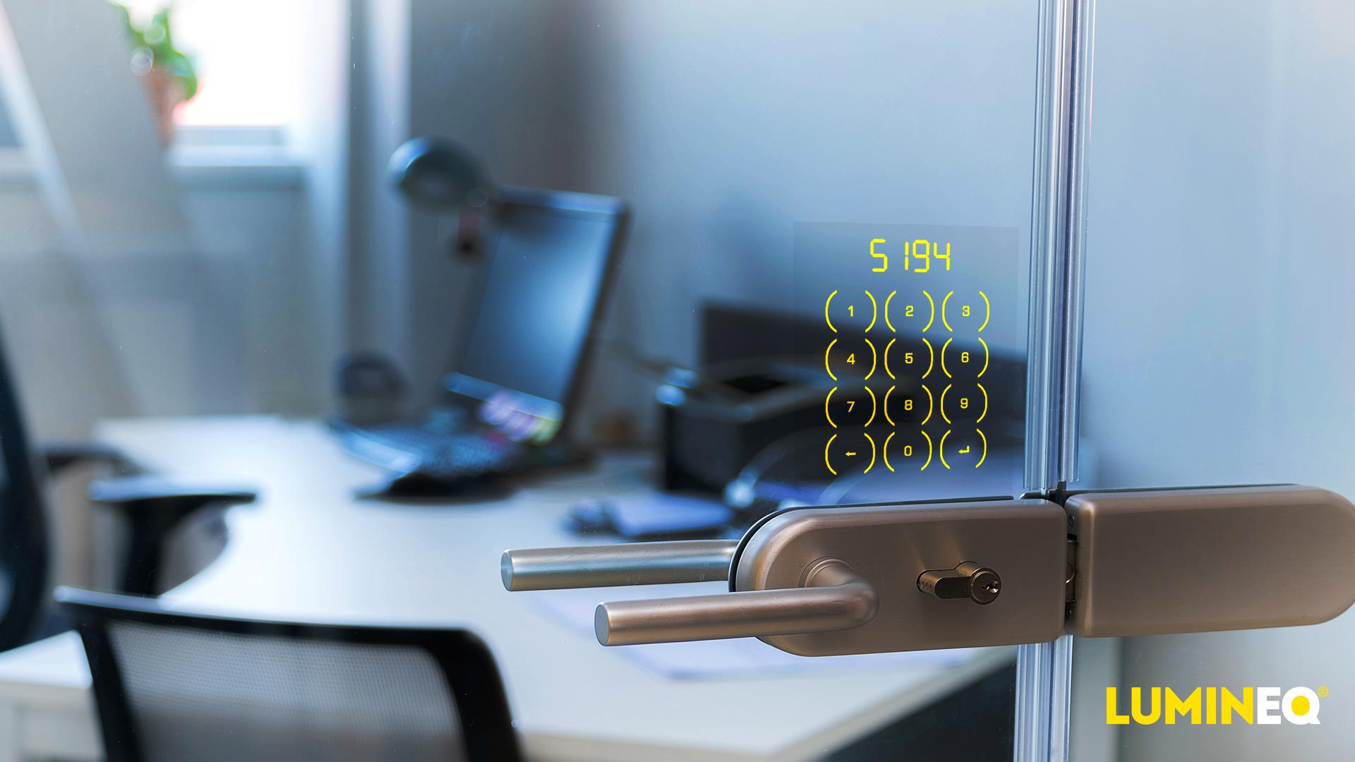 使用透明玻璃内置键盘锁,无需钥匙即可进入车辆和建筑物