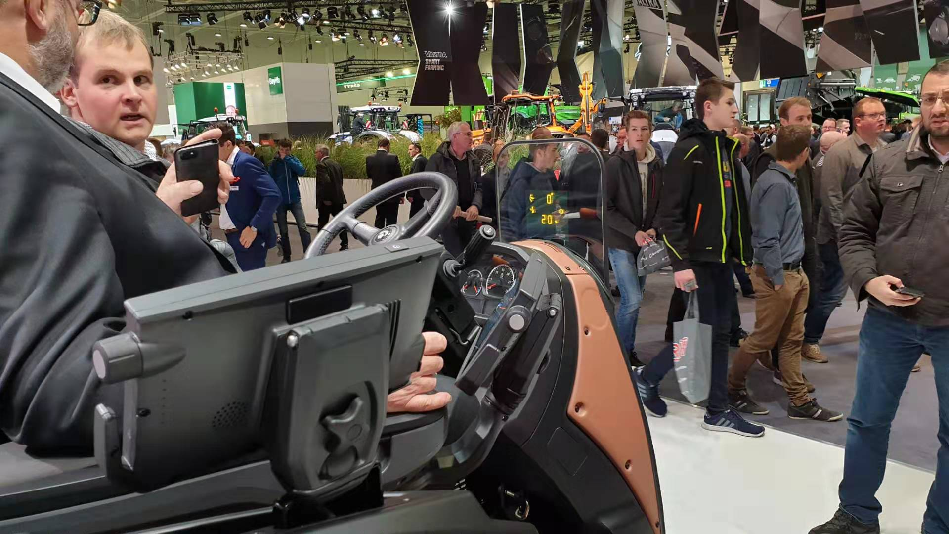 LUMINEQ powered HUD for Valtra tractors on show at Agritechnica 2019
